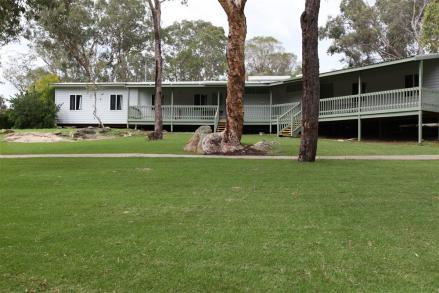 kookaburra-dorms---external-and-lawn